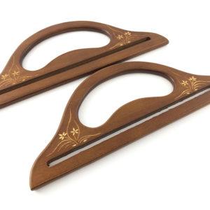 Artigianali ed esclusivi manici in legno, misure: 28X10,5 cm. ideali per borse e creazioni.