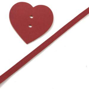 Il pendaglio borse cuore è un set borsa in eco pelle disponibile in diverse colorazioni. Ideale per personalizzare le tue borse.
