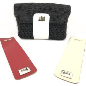 Set borsa Switch composto da tre pezzi: si tratta di tre pattine in pelle colorata per personalizzare le tue borse. I colori sono: bianco, panna e rosso.