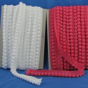 Frangia pallino multicolor. Prodotto artigianale. Pallino diametro: 10 mm Articolo venduto al metro. Inserire nella quantità i metri che si intendono acquistare