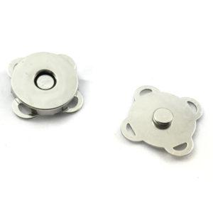 Calamita applique magnetica 18mm, ideale per zaini e borse.