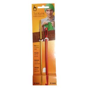 Set 2 aghi Uncinetto Knooking. Nella confezione sono presenti due aghi: uno da 4 mm e uno da 6 mm.