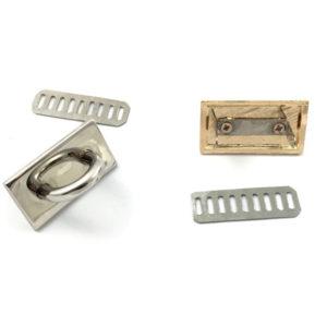 Attacco Ponticello prodotto artigianale, confezionato singolarmente per evitare qualsiasi danneggiamento. Misure: base 4x2 cm - h 2 cm