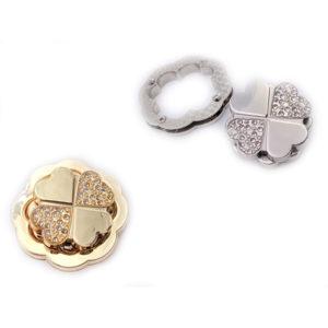 Chiusura L11 4,5 cm per borse disponibile in due differenti versioni: oro e argento.
