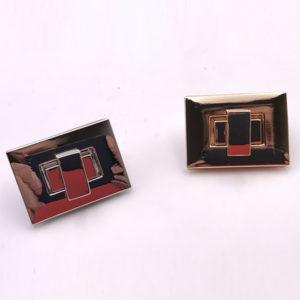 Chiusura L06 4 cm per borse disponibile in due differenti versioni: oro e argento.