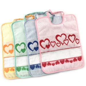 Bavaglioli di alta qualità di manifattura italiana ,colori assortiti, con tela aida da ricamare 55 fori, tessuto e spugna 100% cotone, misura: h 30cm per l 24cm
