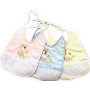 Bavaglino Orso in tre colorazioni (celeste, rosa e giallo) certificate oeko-tex. Prodotto artigianale di alta qualità 100% cotone. Misura: 23x18 cm